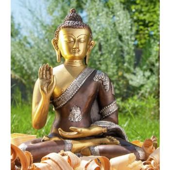 Amogasiddhi Buddha sitzend, 3 fürbig